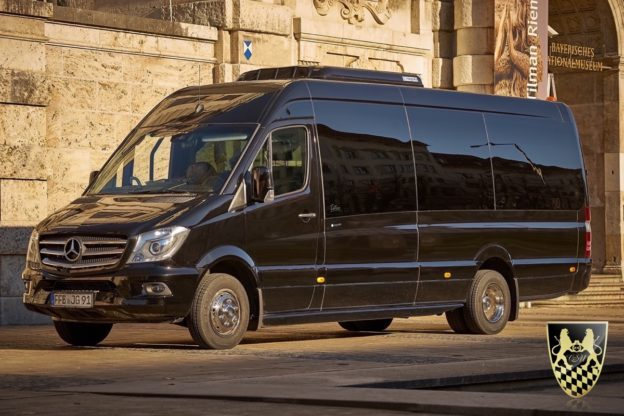 bus f r 18 personen mieten mit chauffeur busservice. Black Bedroom Furniture Sets. Home Design Ideas